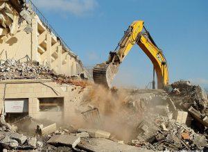 Снос и демонтаж зданий в Санкт-Петербурге. Разрешение на снос и демонтаж